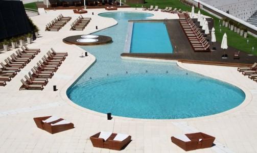 Swimming pool of City Center Rosario